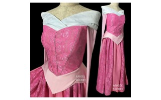 Aurora Cosplay: Let's Enter the World of the Sleeping Beauty